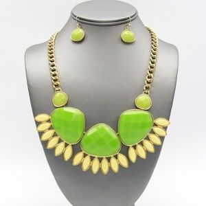 Green Abstract Necklace Set